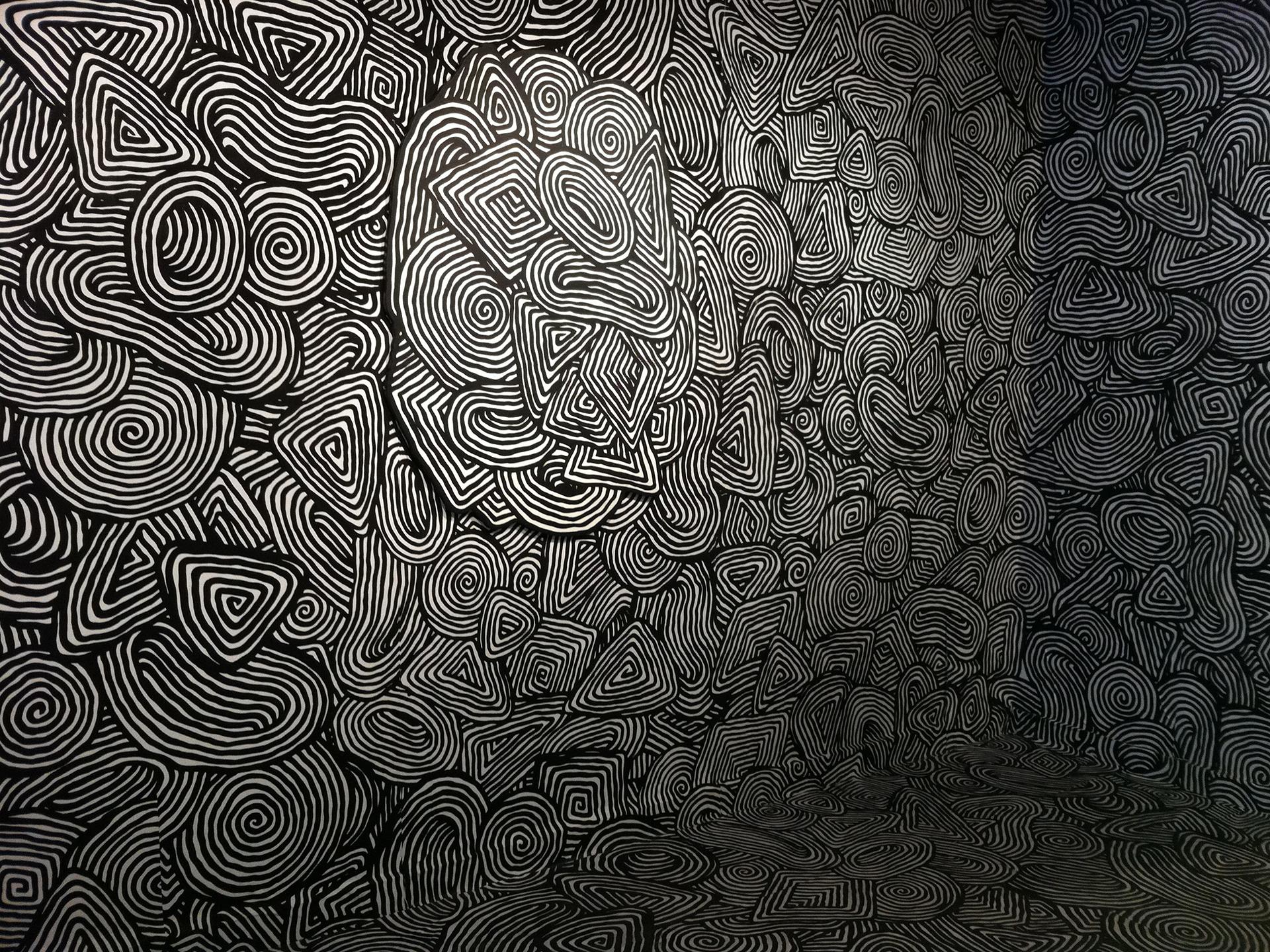 Mind teaser psychedelic pattern texture spiral black white ...