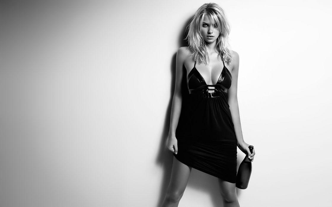 Jessica Hart monochrome black white fashion glamour sexy babes bottle face eyes pov wallpaper