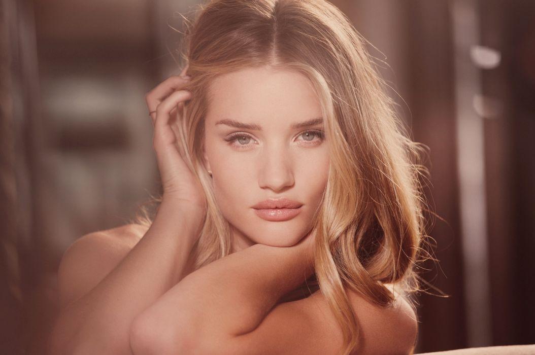 Rosie Huntington Whiteley women females fashion models glamour blondes sexy babes        w wallpaper