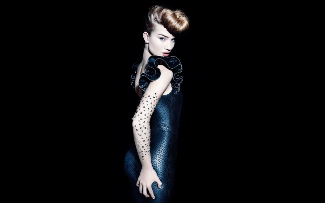 Rosie Huntington Whiteley women females fashion models glamour blondes sexy babes       n wallpaper