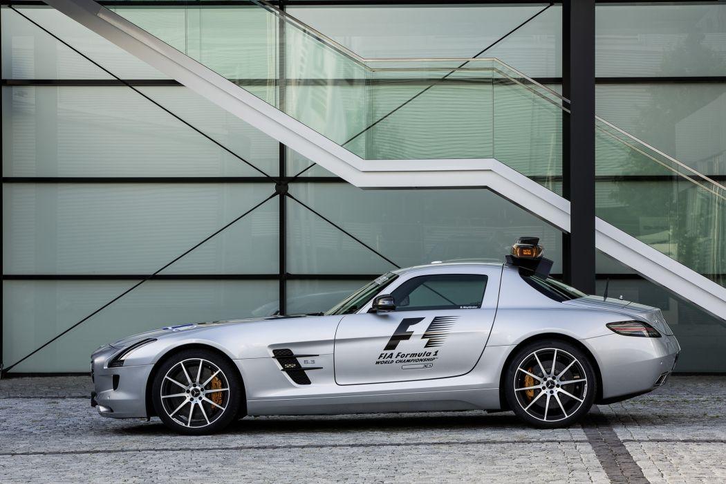 2013 Mercedes Benz SLS AMG GT supercar wallpaper