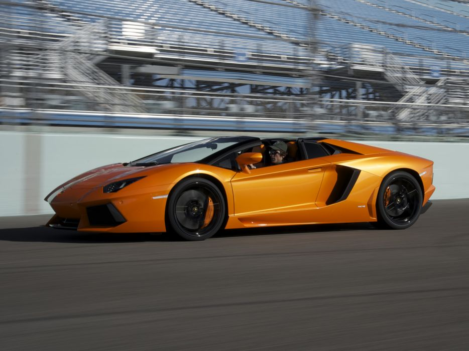 2014 Lamborghini Aventador LP700-4 Roadster supercar orange track          g wallpaper