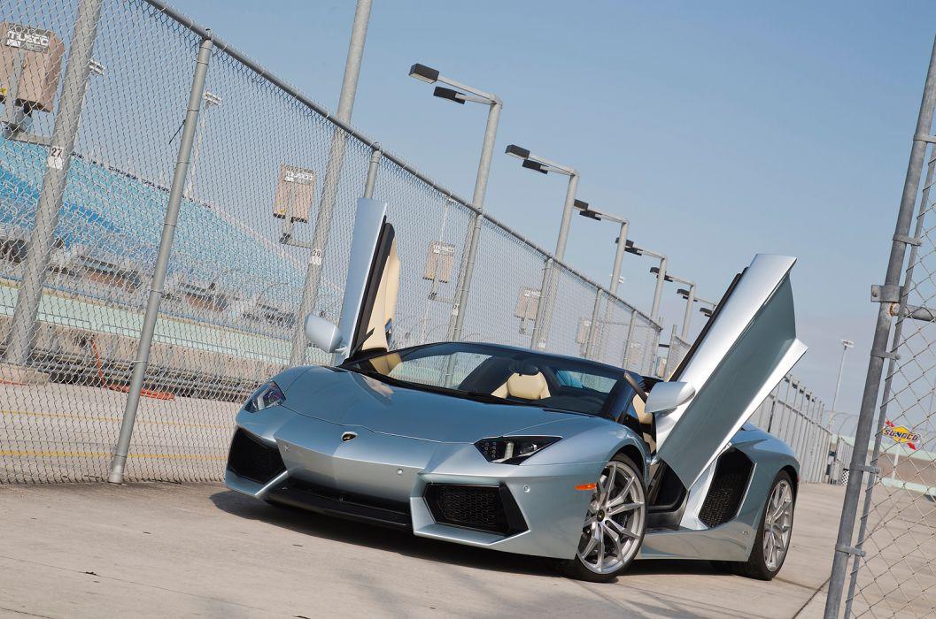 2014 Lamborghini Aventador Roadster supercar silver         l wallpaper