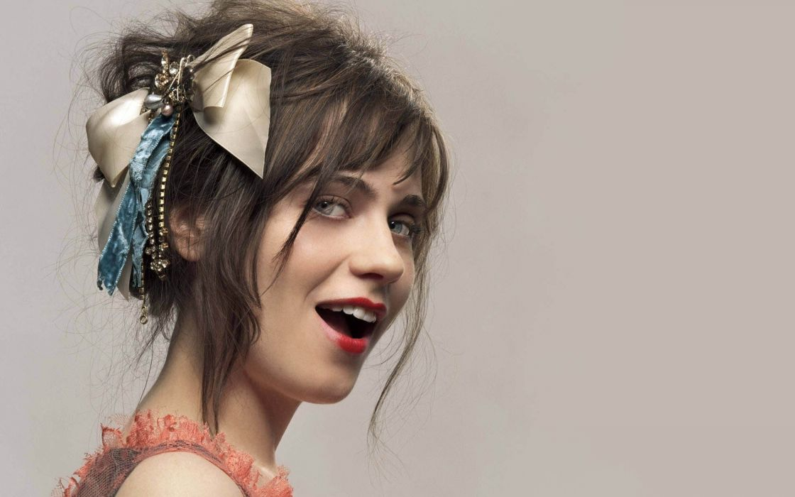 Zooey Deschanel actress women females girls brunettes sexy babes face pov      t wallpaper