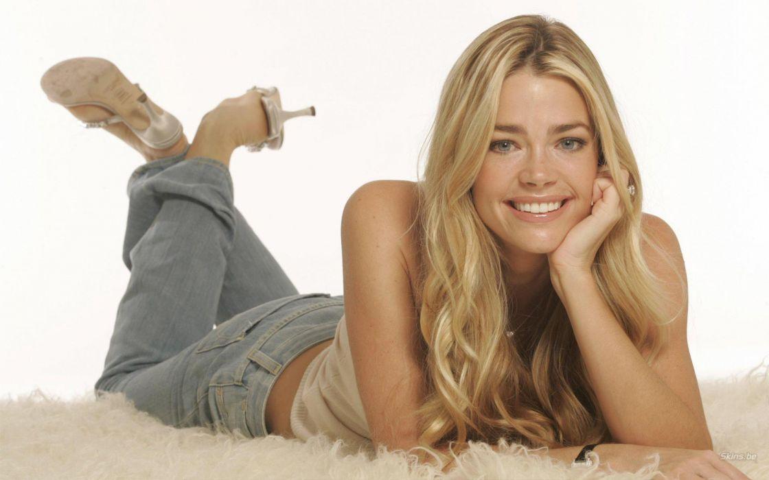 Denise Richards Celebrities actress models women females girls blondes sexy babes       v wallpaper