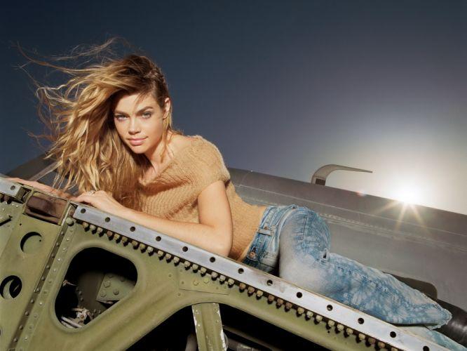 Denise Richards Celebrities actress models women females girls blondes sexy babes t wallpaper