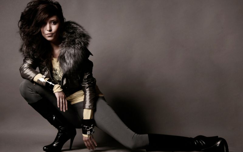 Alena Vinnitskaya singer musician women females girls brunettes sexy babes wallpaper