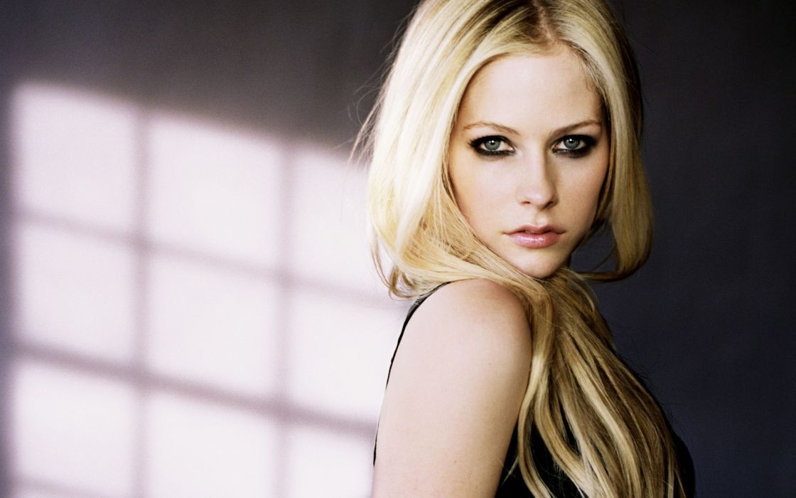 Avril Lavigne singer women females girls blondes face eyes pov sexy babes wallpaper