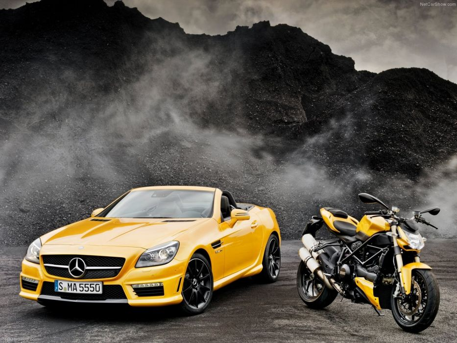 Ducati Naked Streetfighter Sportbike Smoke Mercedes wallpaper