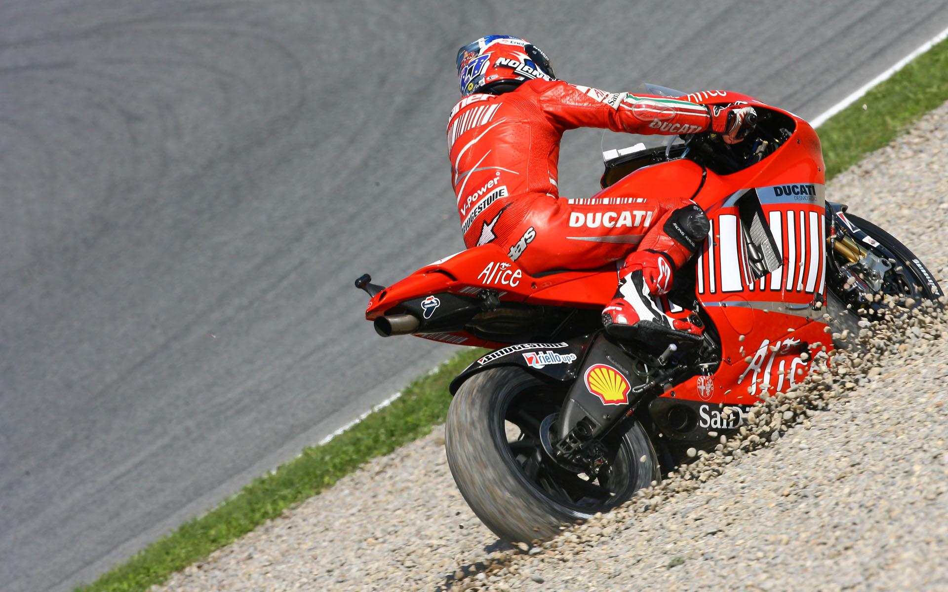 Ducati Sportbike racing wallpaper - 341.2KB