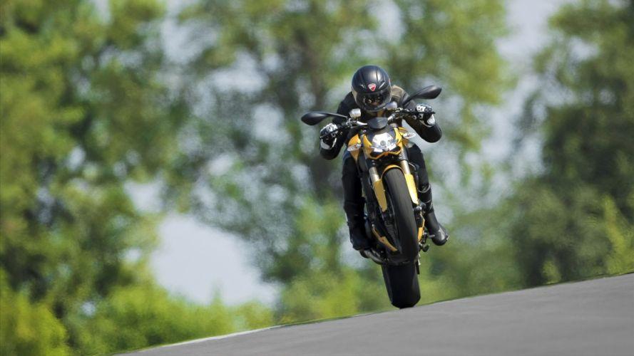 Ducati Streetfighter Wheelie Sportbike wallpaper