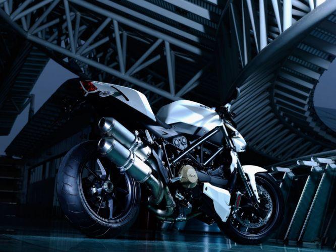 Ducati Naked Monster Sportbike r wallpaper