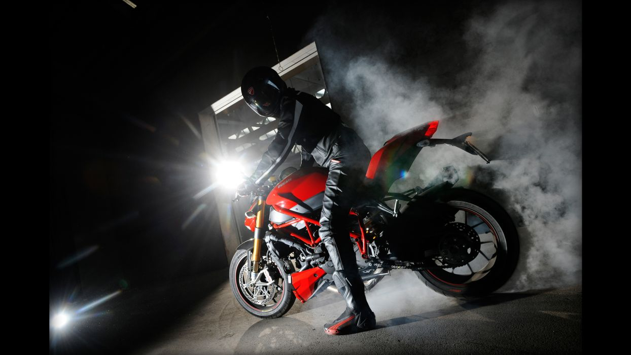 Ducati Naked Streetfighter Sportbike Smoke Burnout wallpaper