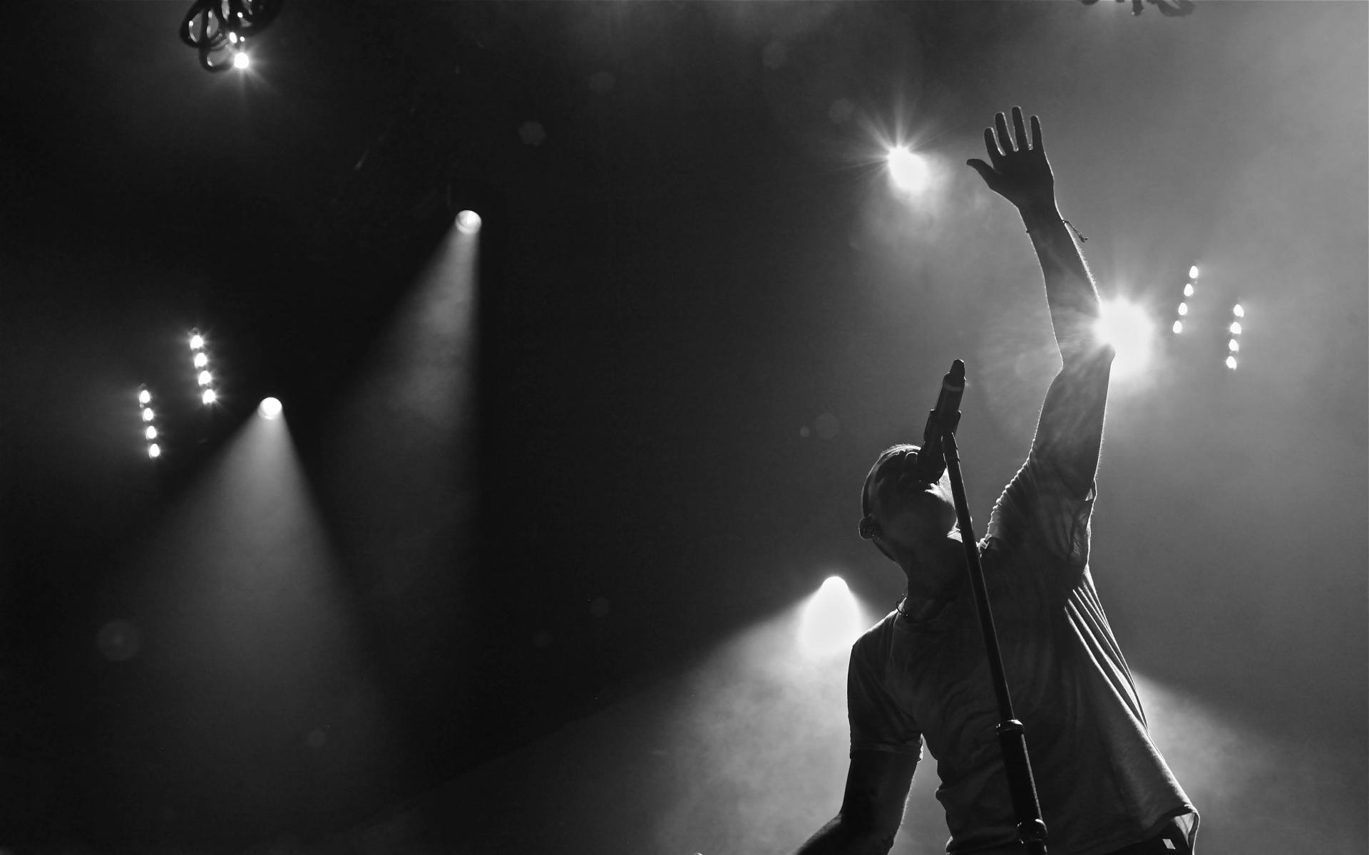 Linkin park monochrome lights concert wallpaper ...
