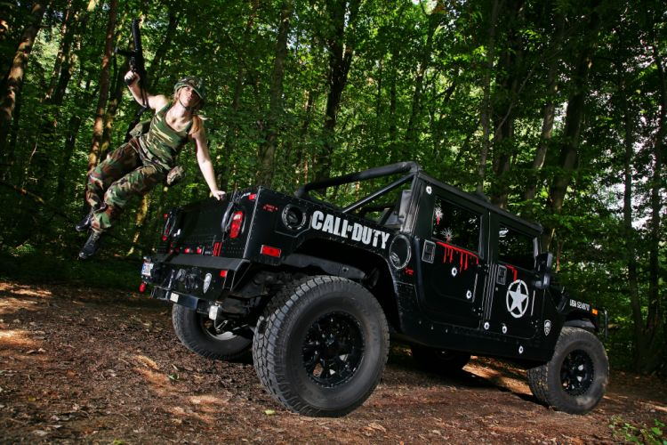 Hummer 2011 H1 trucks 4x4 women females girls soldiers sexy babes trees wallpaper