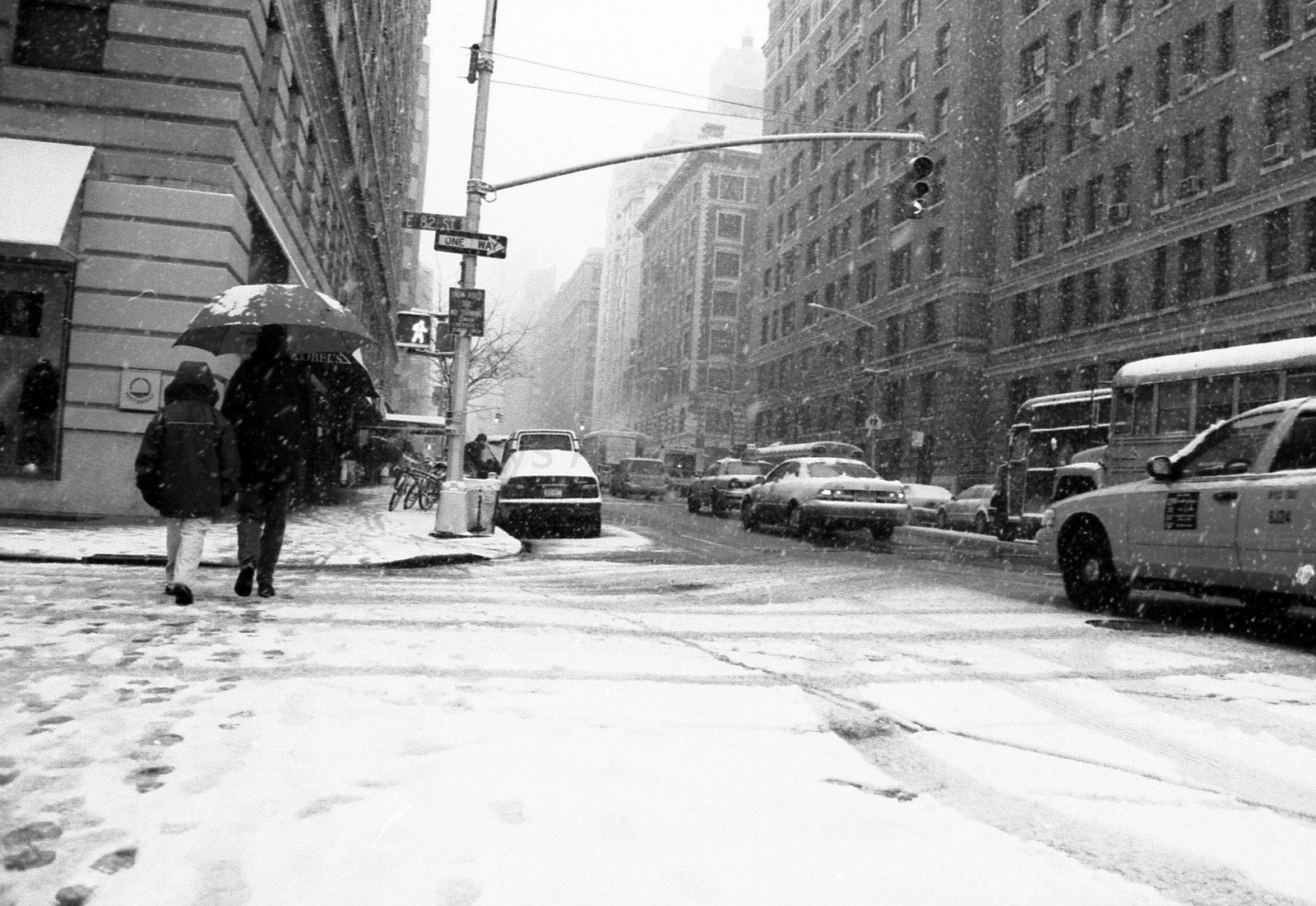 Monochrome New York Roads Cars Taxi Winter Snow People Umbrella