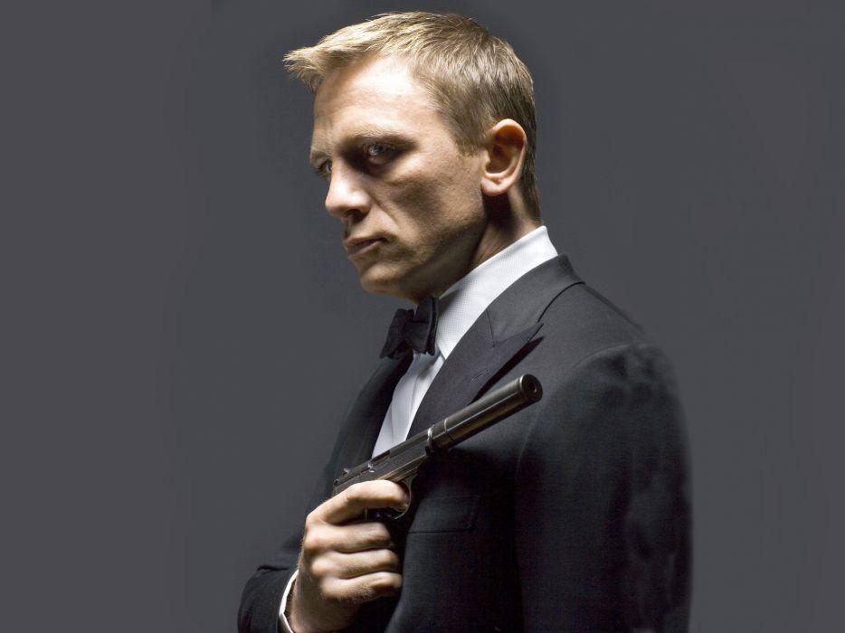Daniel craig actor james bond agent 007 tuxedo gun weapons - Daniel craig bond wallpaper ...