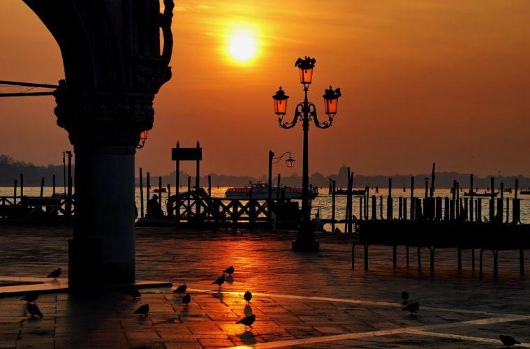 Italy Venice Piazza San Marco sunset sky birds lights lamp post wallpaper