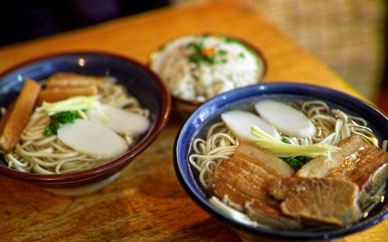 Bowl Noodles Meat wallpaper