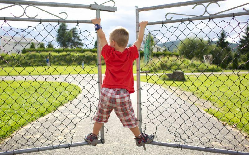 mood children boy fence mesh motion background wallpaper