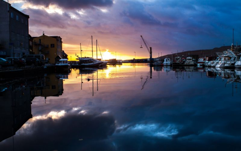 Sunset Boats Reflection Harbor Buildings wallpaper
