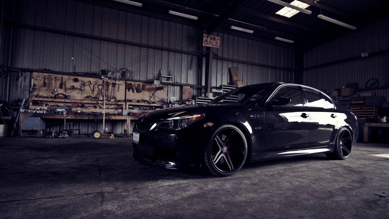 BMW M5 Garage tuning wallpaper