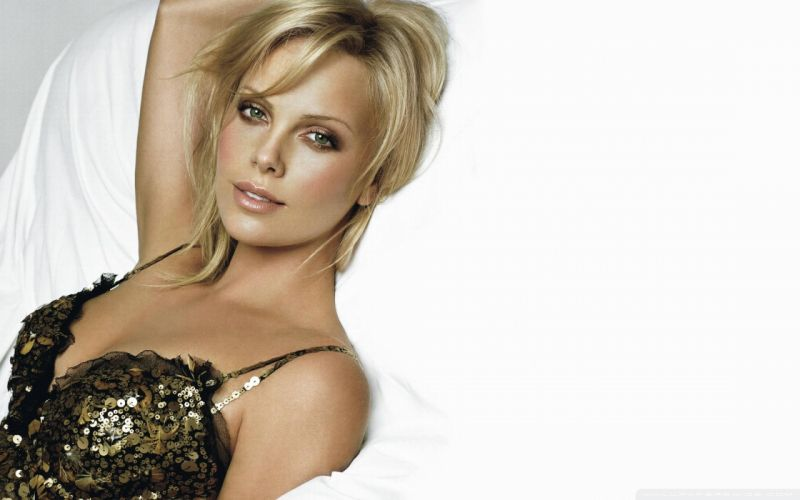 Charlize Theron Blonde Face White wallpaper