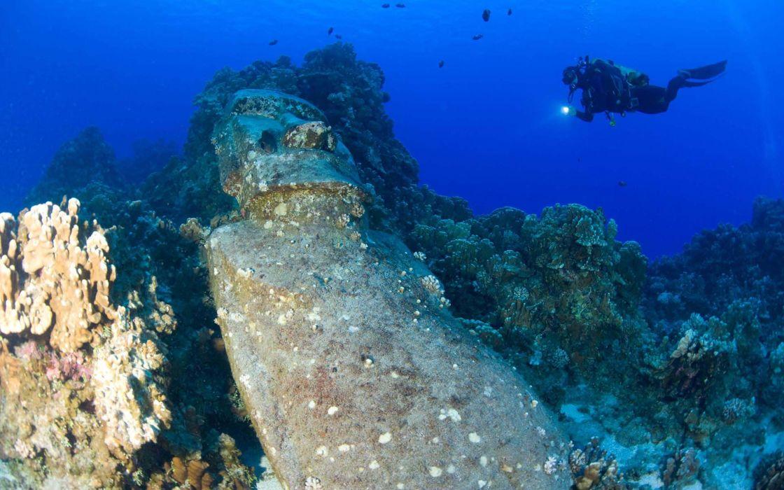 Diver Underwater Statue Easter Island ocean sports wallpaper