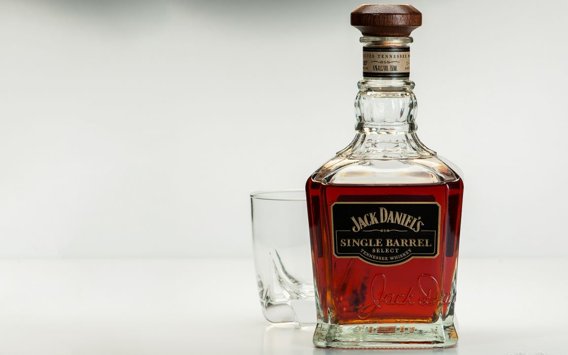 Jack Daniel's Whiskey Alcohol Bottle Glass wallpaper