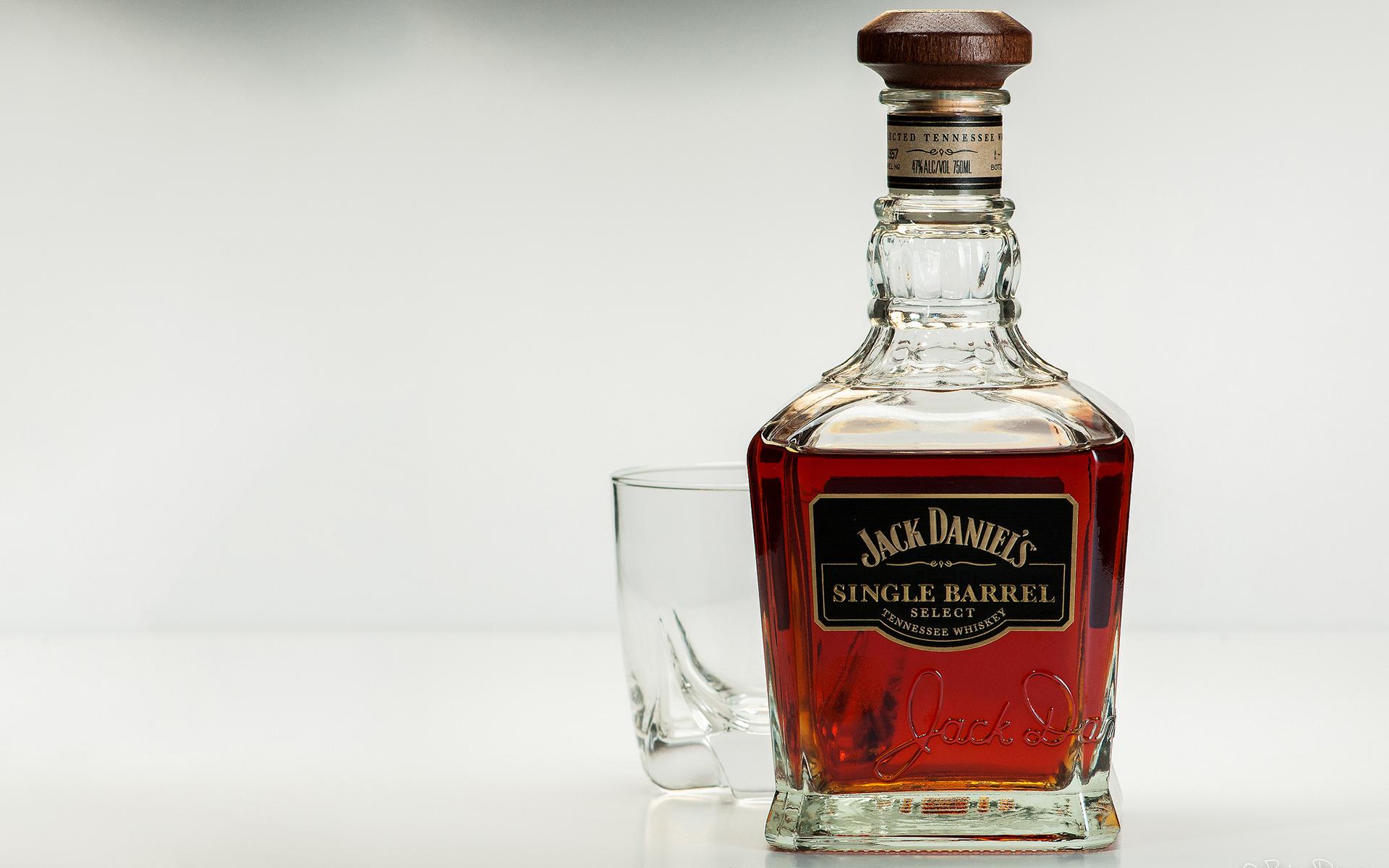 Jack Daniel's Whiskey Alcohol Bottle Glass wallpaper ...
