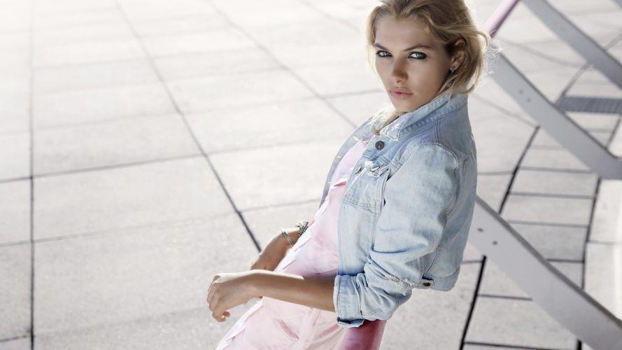 Blonde Jessica Hart women females girls babes wallpaper