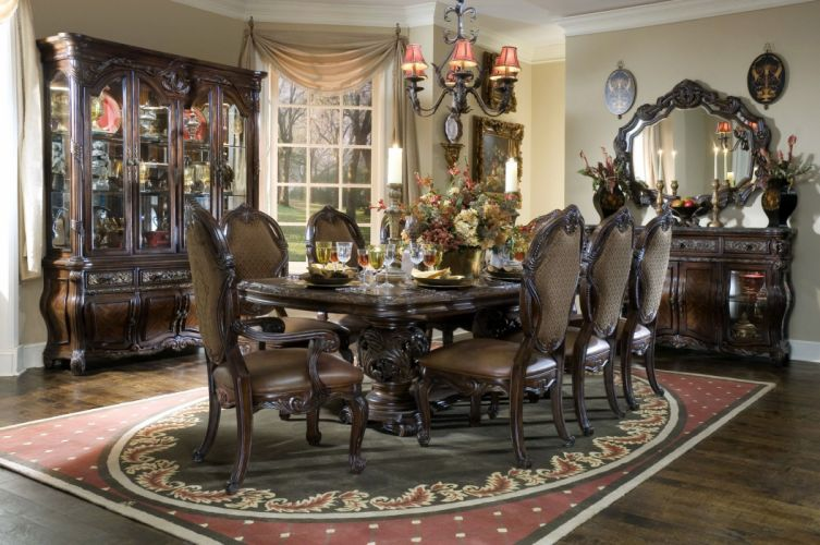 komnote House Interior chandelier table mirror chairs wallpaper