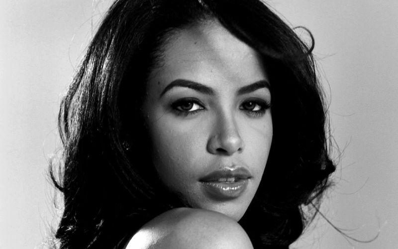 Aaliyah music singer women females girls sexy babes black white face eyes wallpaper