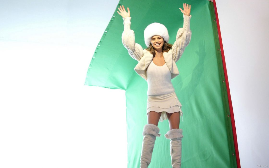 Adriana Lima women sexy fashion models brunettes glamour babes       o wallpaper