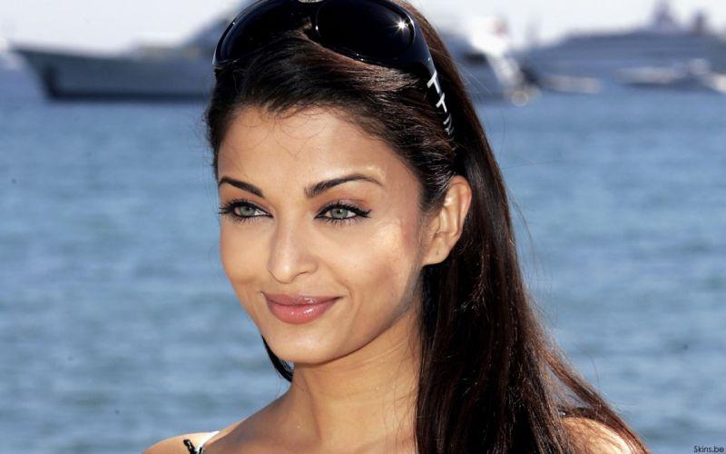 Aishwarya Rai actress brunette women females girls sexy babes r wallpaper