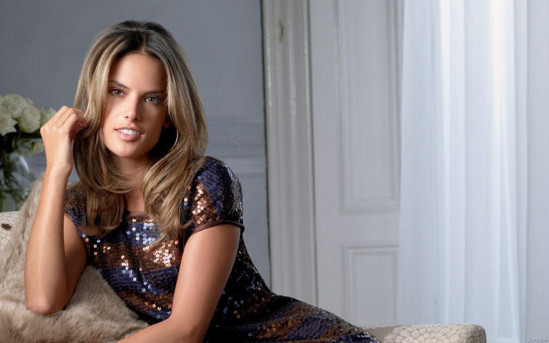 Alessandra Ambrosio fashion glamour model brunettes women females girls sexy babes face       w wallpaper