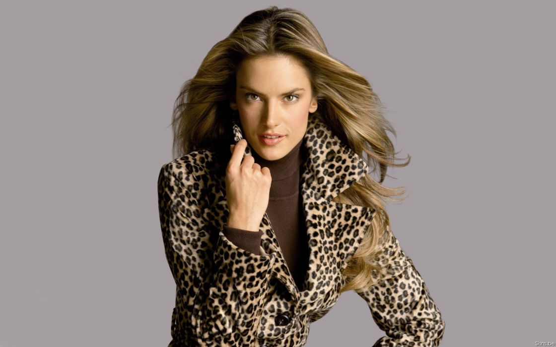 Alessandra Ambrosio fashion glamour model brunettes women females girls sexy babes        b wallpaper
