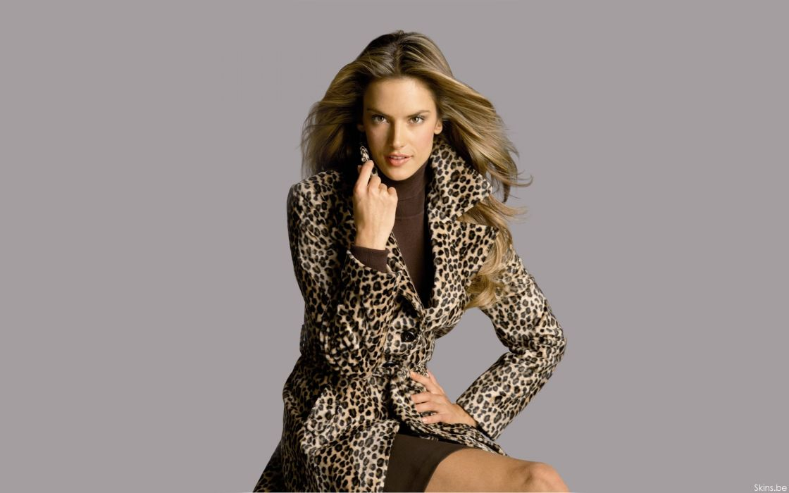Alessandra Ambrosio fashion glamour model brunettes women females girls sexy babes        f wallpaper
