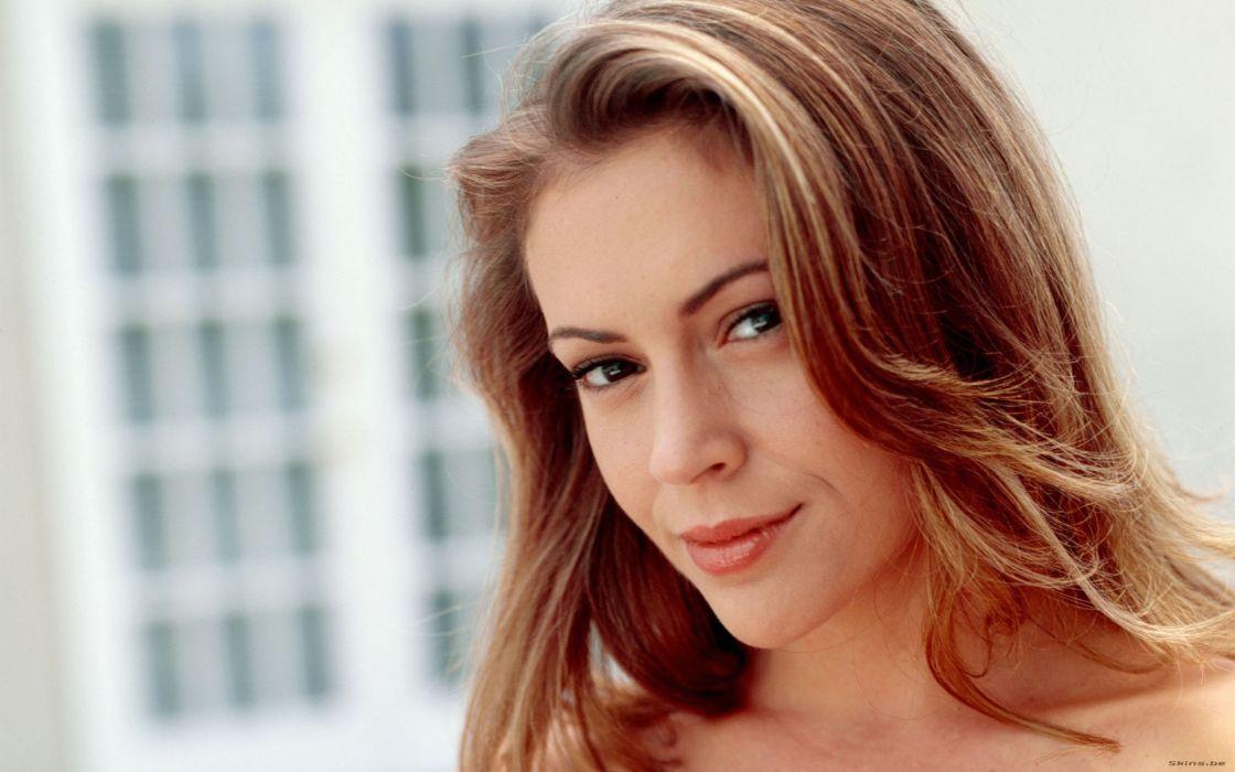 Alyssa Milano actress brunettes celebrity women females girls sexy babes wallpaper