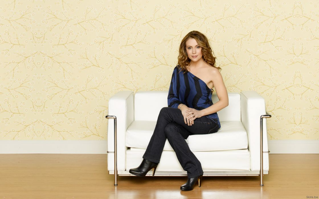 Alyssa Milano actress brunettes celebrity women females girls sexy babes wallpaper
