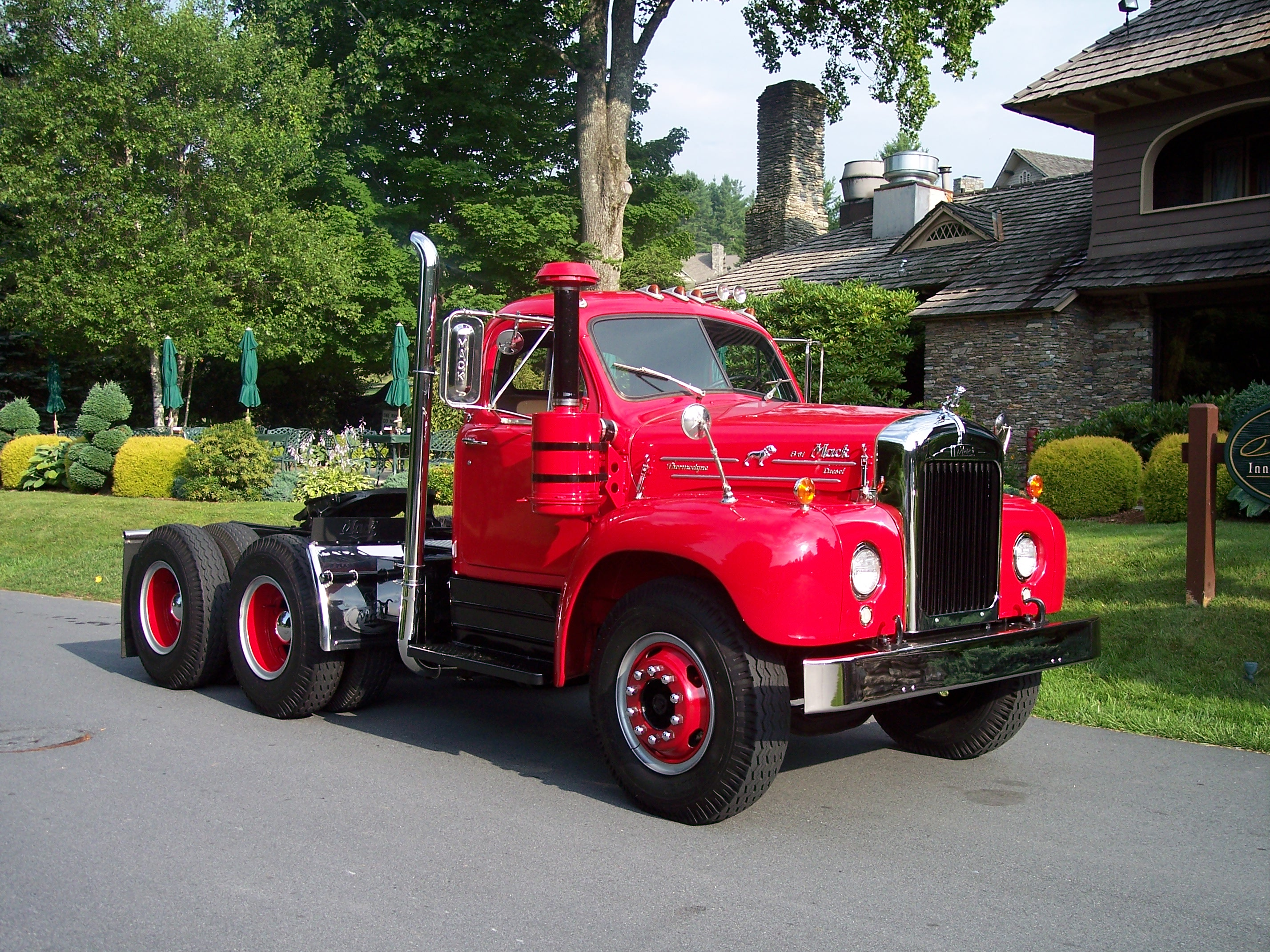 Image search: Custom Semi Trucks