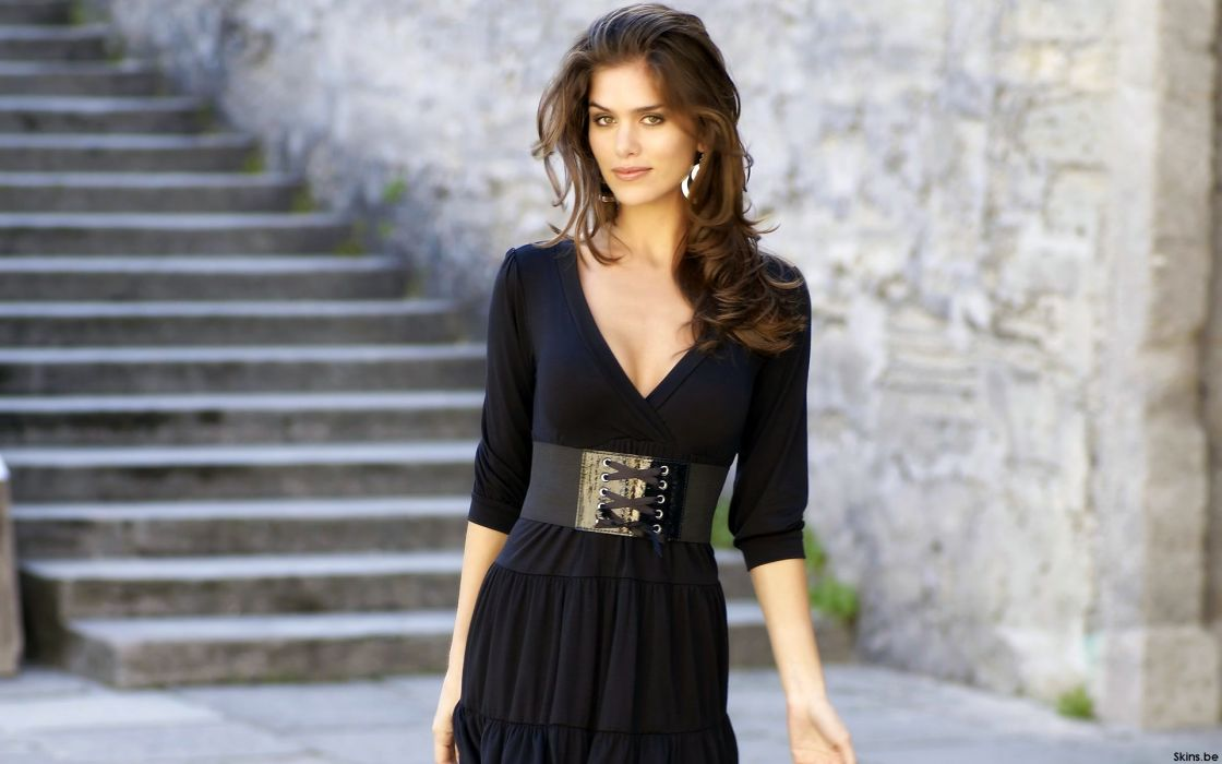 Anahi Gonzales models brunettes women females girls sexy babes      s wallpaper