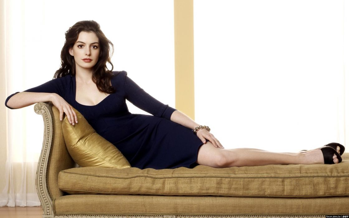Anne Hathaway actress women females girls sexy babes face eyes cleavage legs     g wallpaper