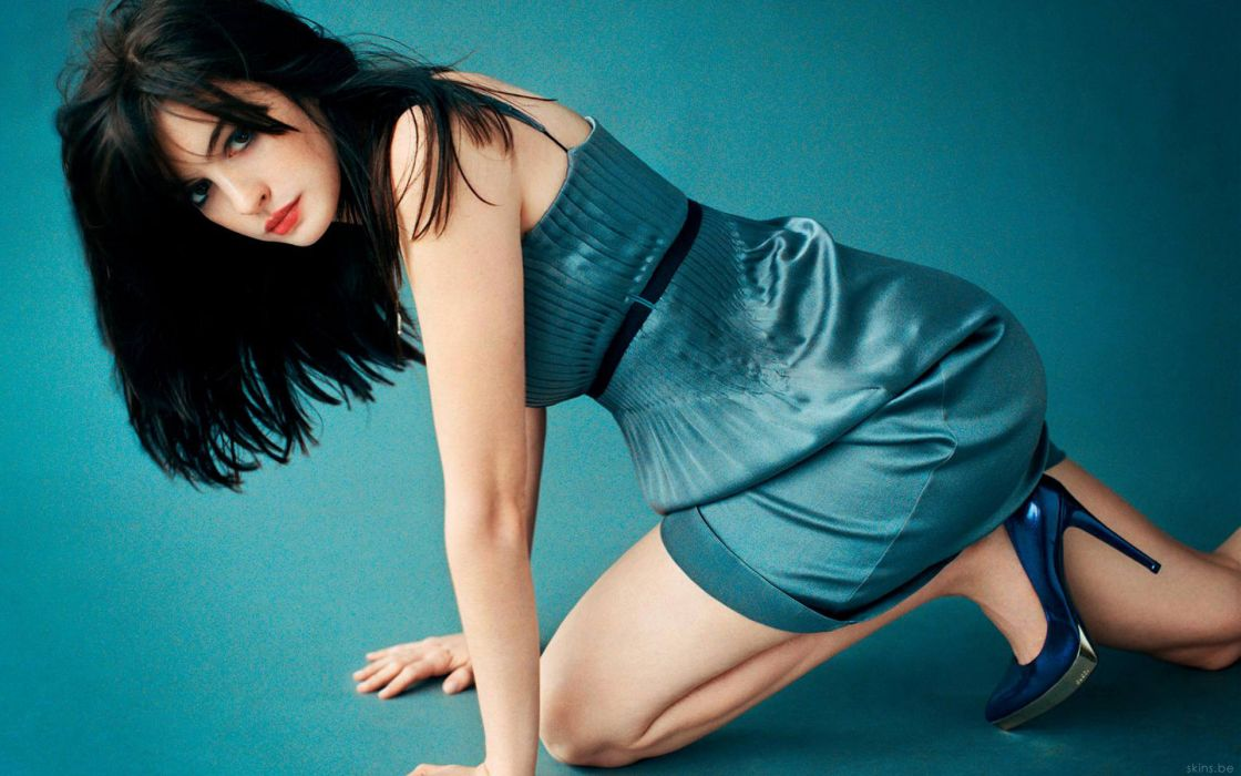 Anne Hathaway actress women females girls sexy babes face eyes cleavage legs     n wallpaper