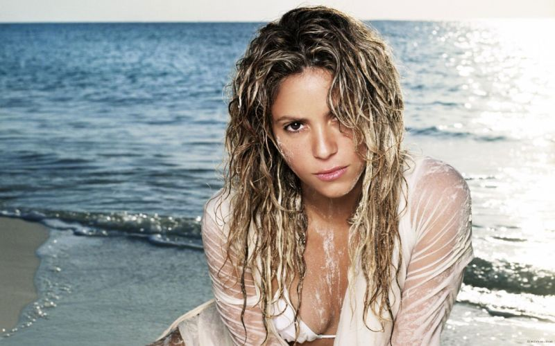 Shakira singer musician blondes women females girls sexy babes face eyes d wallpaper