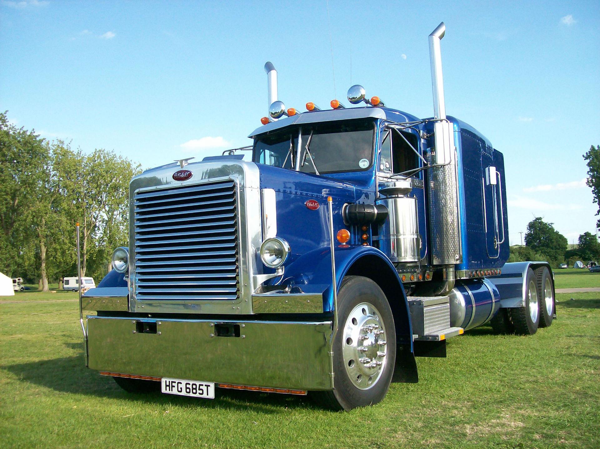 Peterbilt semi trucks tractor rigs wallpaper background