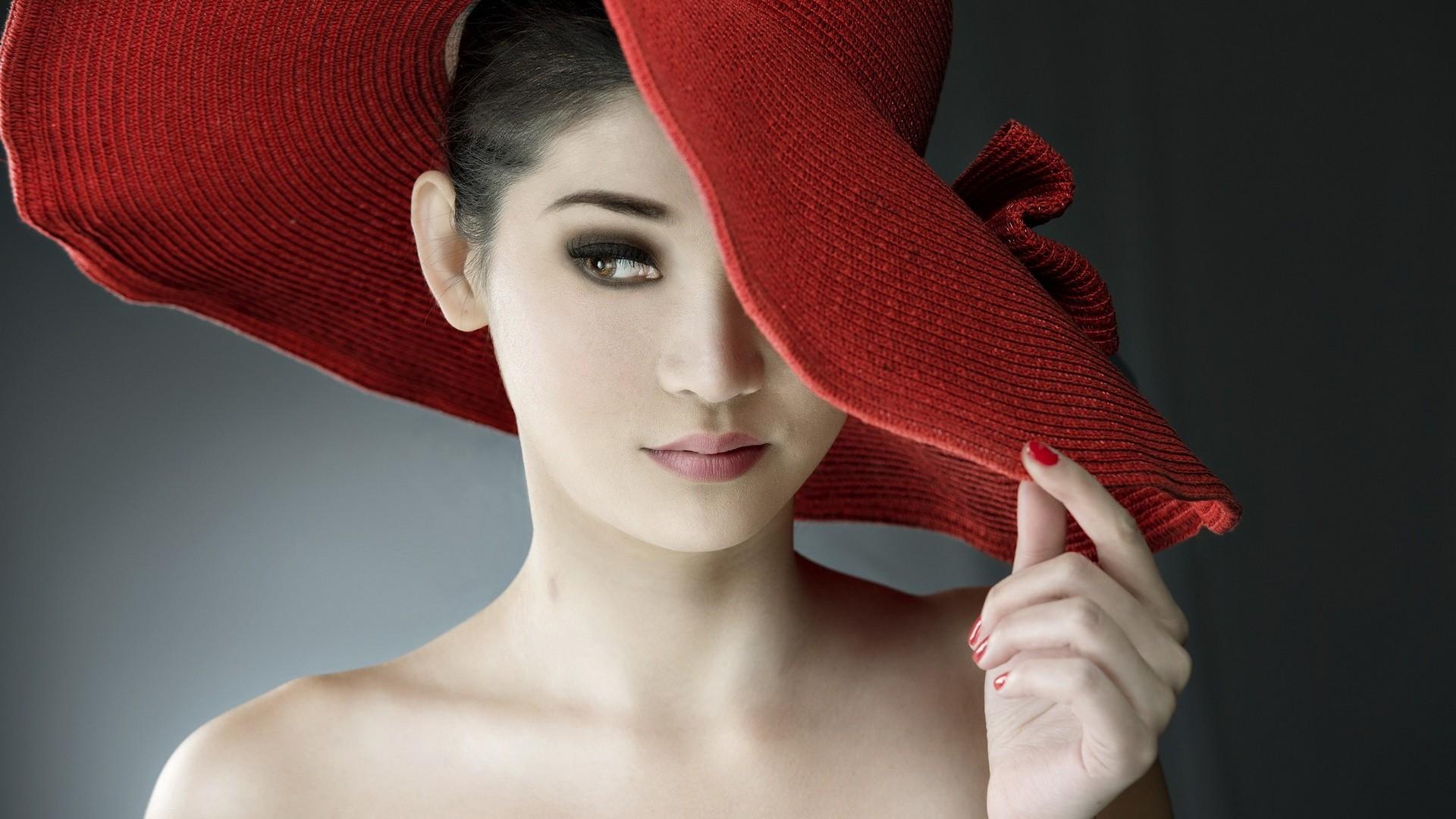 девушка взгляд шляпка красная лицо  № 1867474 загрузить