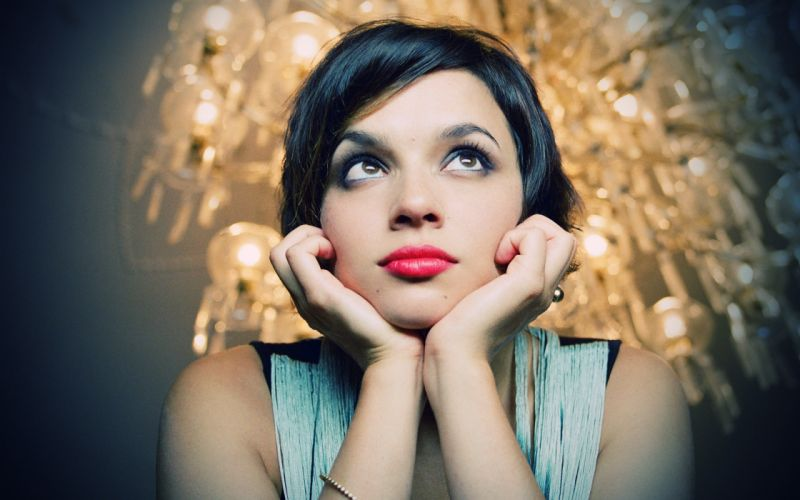 women Norah Jones wallpaper