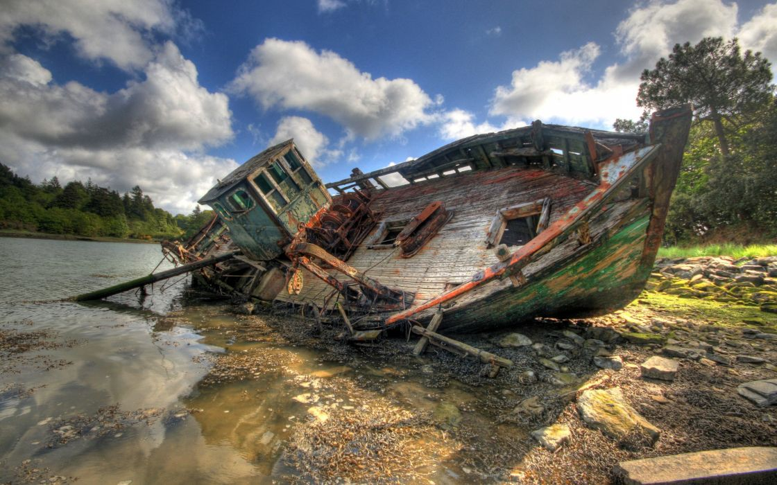 shipwrecks wallpaper