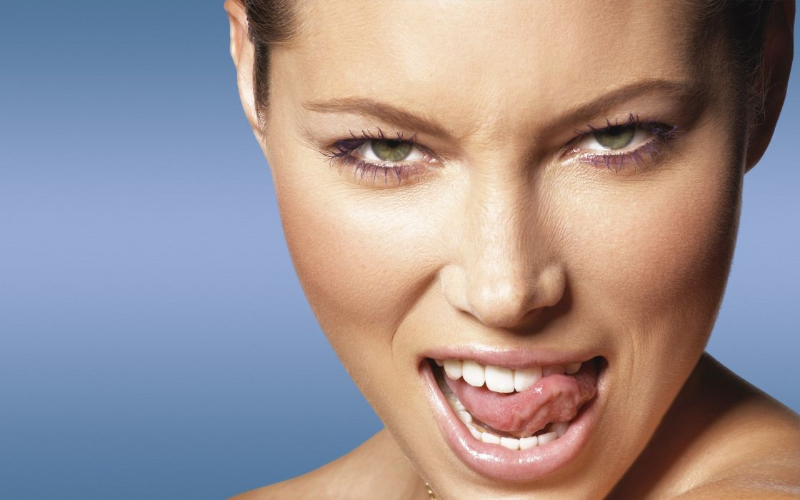 women close-up actress models Jessica Biel hazel eyes wallpaper